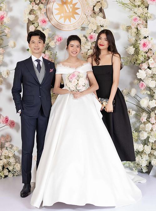 Những đám cưới đình đám Vbiz: Dàn bê tráp, khách mời toàn hoa hậu, á hậu ảnh 13