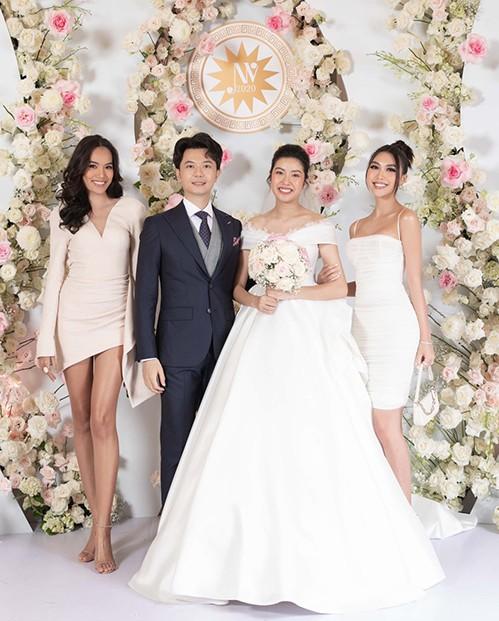Những đám cưới đình đám Vbiz: Dàn bê tráp, khách mời toàn hoa hậu, á hậu ảnh 14