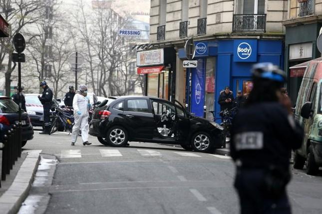 [ẢNH] Hiện trường vụ thảm sát kinh hoàng tòa báo ở Pháp ảnh 2