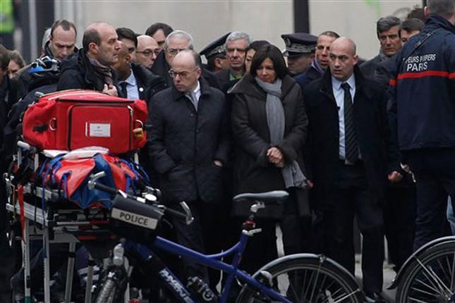 [ẢNH] Hiện trường vụ thảm sát kinh hoàng tòa báo ở Pháp ảnh 15