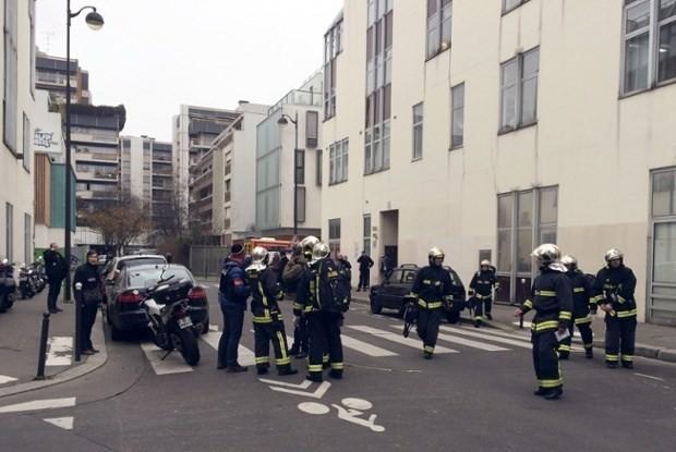 [ẢNH] Hiện trường vụ thảm sát kinh hoàng tòa báo ở Pháp ảnh 8