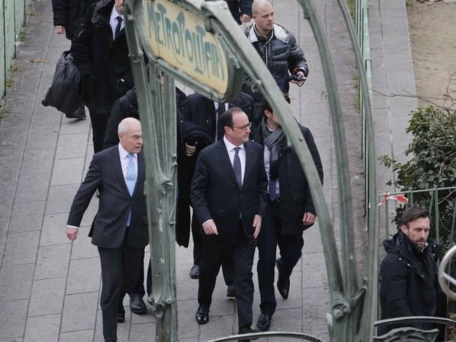 [ẢNH] Hiện trường vụ thảm sát kinh hoàng tòa báo ở Pháp ảnh 14