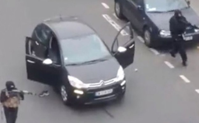 [ẢNH] Hiện trường vụ thảm sát kinh hoàng tòa báo ở Pháp ảnh 1