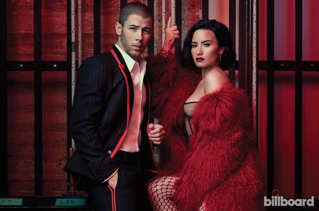 Đường cong nảy lửa của 'hoạ mi' Demi Lovato ảnh 3