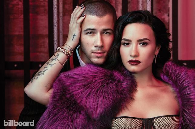 Đường cong nảy lửa của 'hoạ mi' Demi Lovato ảnh 5