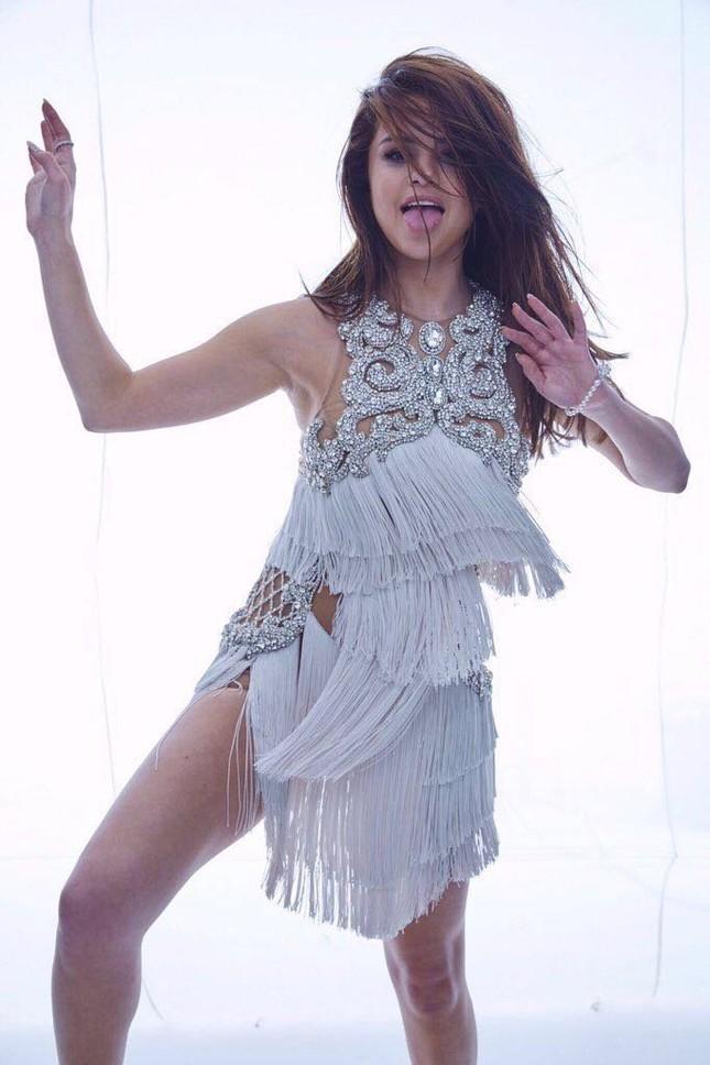 Selena Gomez sexy và nổi loạn ảnh 4