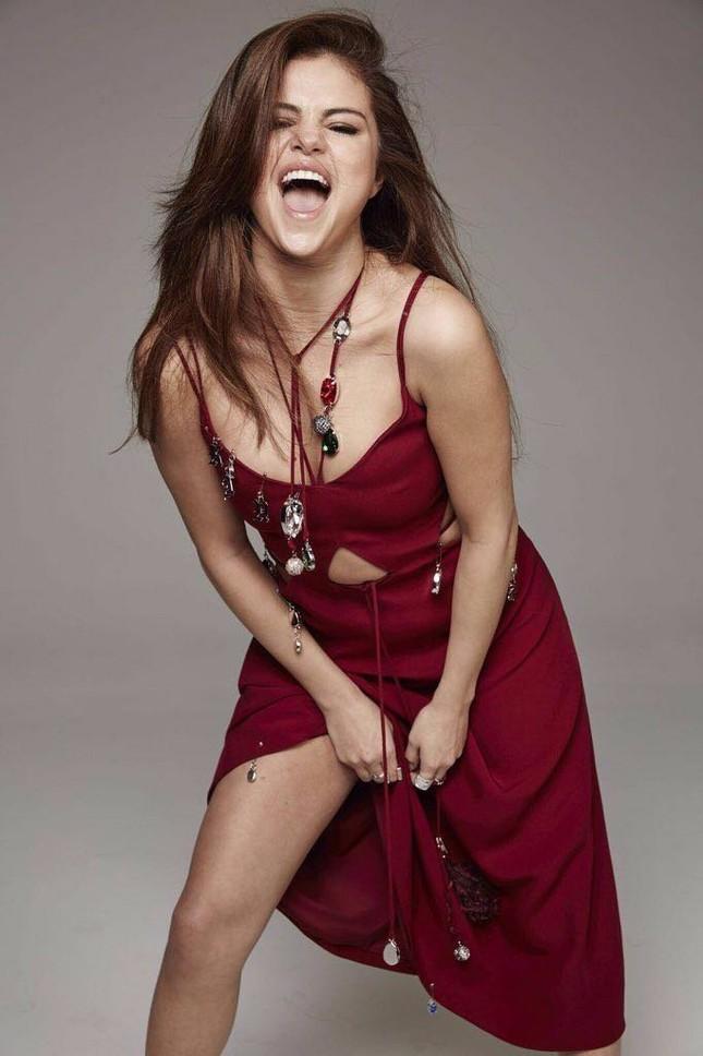 Selena Gomez sexy và nổi loạn ảnh 1