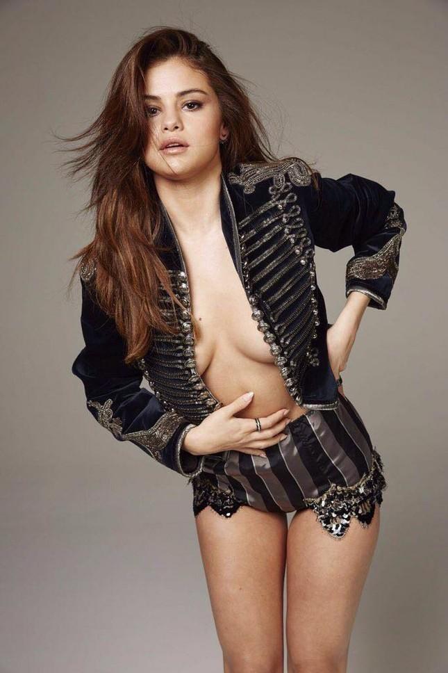 Selena Gomez sexy và nổi loạn ảnh 11