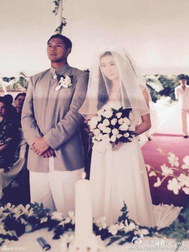 Ôn Bích Hà bất ngờ tung ảnh cưới để cảm ơn chồng ảnh 5