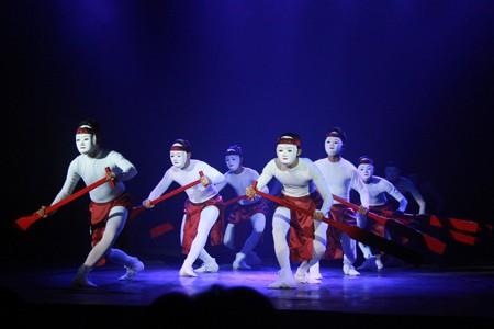 Đem nghệ thuật múa dân gian Việt Nam đến với bạn bè quốc tế ảnh 1