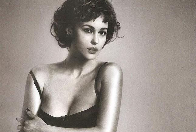 Biểu tượng sắc đẹp Ý Monica Bellucci khoe vóc dáng nữ thần ở tuổi 53 ảnh 9