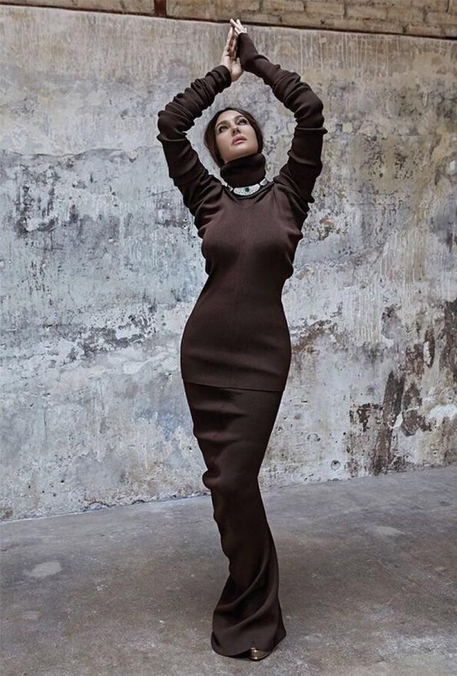 Biểu tượng sắc đẹp Ý Monica Bellucci khoe vóc dáng nữ thần ở tuổi 53 ảnh 2