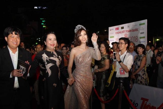 Cô gái 18 tuổi Trần Tiểu Vy đăng quang Hoa hậu Việt Nam 2018 ảnh 11