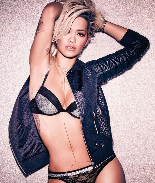 Rita Ora thả dáng nóng 'bỏng mắt' với nội y ảnh 2