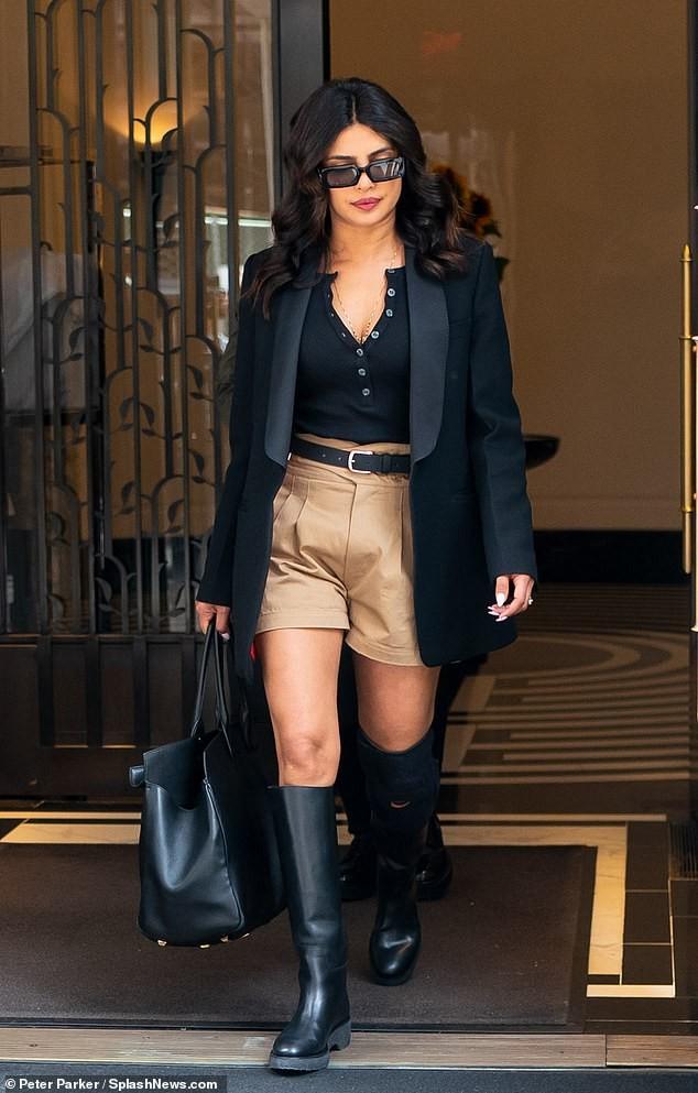 Hoa hậu Priyanka Chopra đẹp cá tính như một Fashionista trên phố ảnh 4