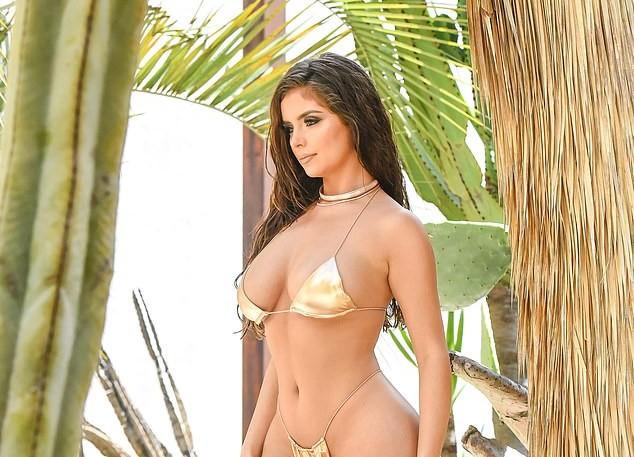Demi Rose phô 3 vòng 'nảy lửa' với bikini bé xíu gây choáng váng ảnh 1
