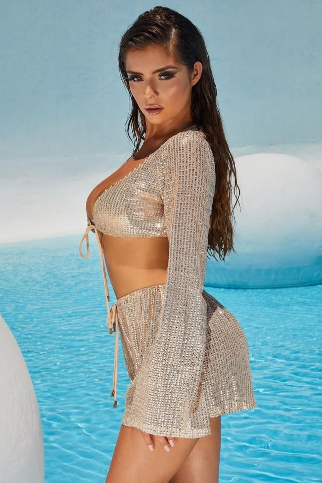 Ba vòng 'bỏng rẫy' của 'Kim Kardashian nước Anh' khiến quý ông phải thổn thức ảnh 14
