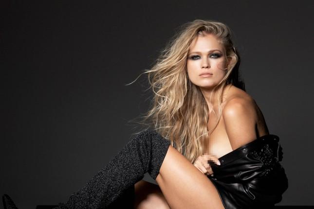 'Thiên thần áo tắm' Nga Vita Sidorkina 'cởi đồ' siêu gợi cảm trên tạp chí ảnh 4