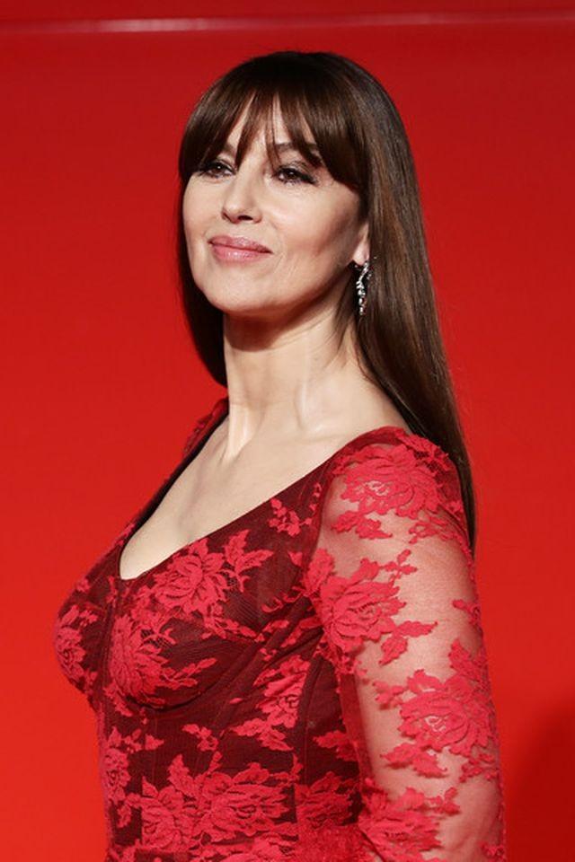 Minh tinh Monica Bellucci xinh đẹp không tuổi trên thảm đỏ LHP Venice ảnh 2