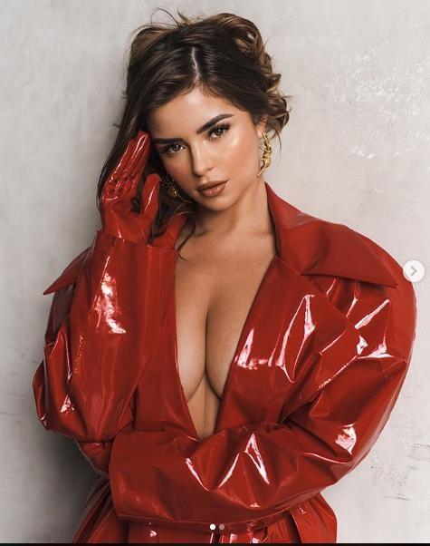 Demi Rose tung ảnh bán nude siêu nóng bỏng, gây 'bão' cộng đồng mạng ảnh 4