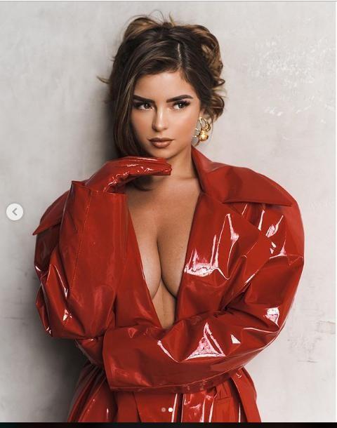 Demi Rose tung ảnh bán nude siêu nóng bỏng, gây 'bão' cộng đồng mạng ảnh 5