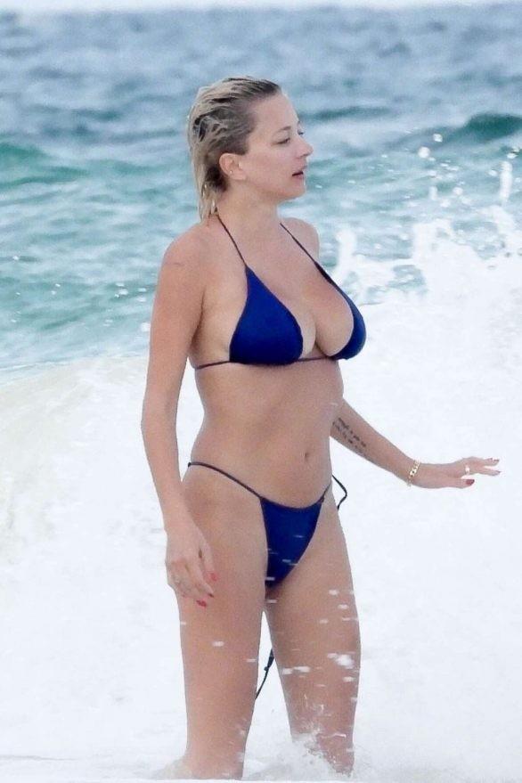 Mỹ nhân được ví như Marilyn Monroe 'thiêu đốt' ánh nhìn với bikini bé xíu ảnh 9