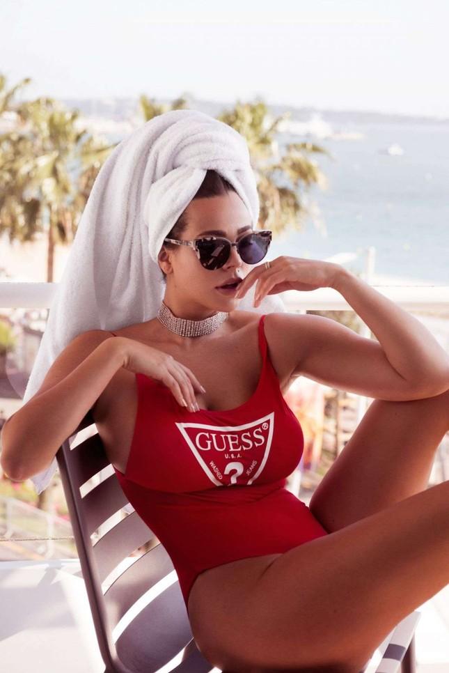 Vóc dáng tròn đầy nóng bỏng của người mẫu ngoại cỡ Nadine Mirada ảnh 6