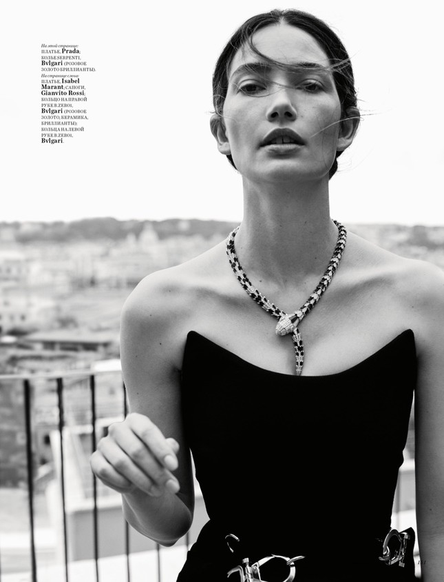 'Thiên thần nội y' Lily Aldridge khoe nhan sắc đẹp không 'góc chết' trên tạp chí ảnh 4
