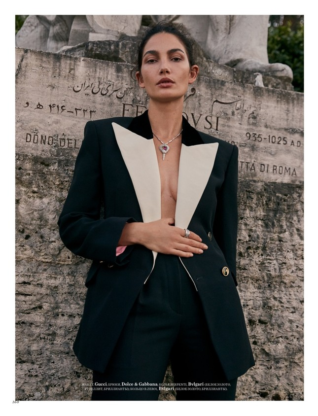 'Thiên thần nội y' Lily Aldridge khoe nhan sắc đẹp không 'góc chết' trên tạp chí ảnh 11