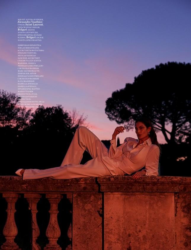 'Thiên thần nội y' Lily Aldridge khoe nhan sắc đẹp không 'góc chết' trên tạp chí ảnh 12
