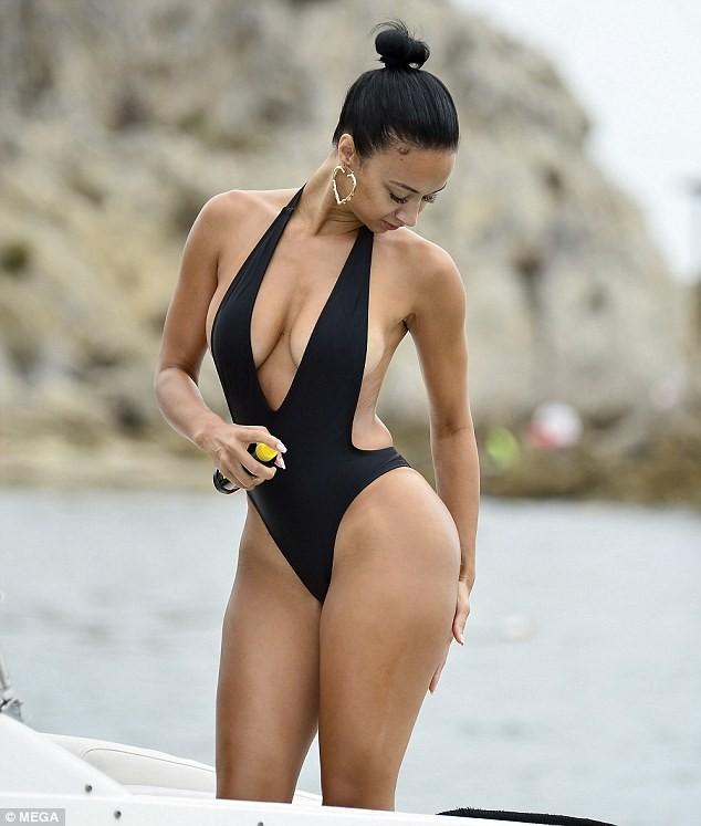 Thân hình 'bốc lửa' gây chao đảo của mỹ nhân da màu Draya Michele ảnh 6