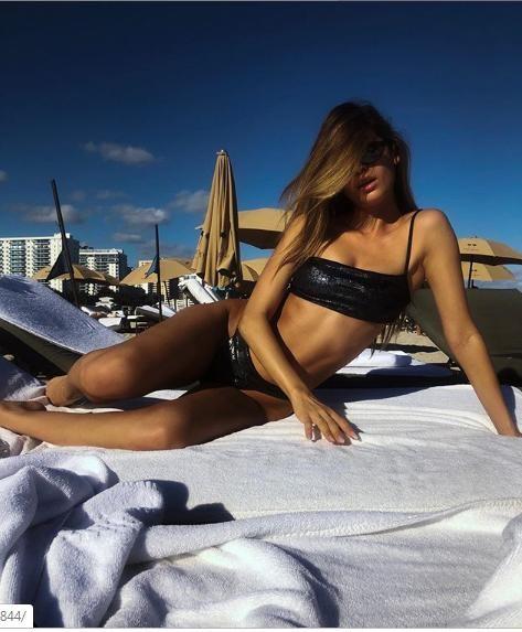 Siêu mẫu Cassie Amato thả dáng quyến rũ mê hồn trên biển ảnh 10