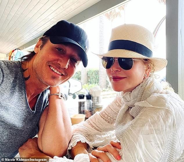 'Thiên nga nước Úc' Nicole Kidman đi nghỉ hạnh phúc bên chồng ảnh 8