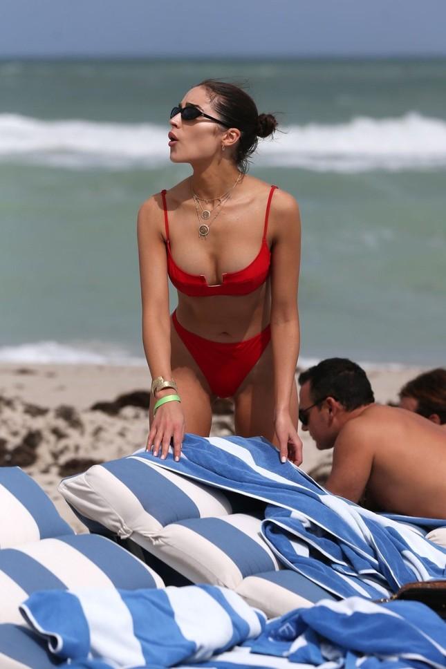 Hoa hậu Olivia Culpo phô đường cong đẹp như tạc tượng với bikini ảnh 7