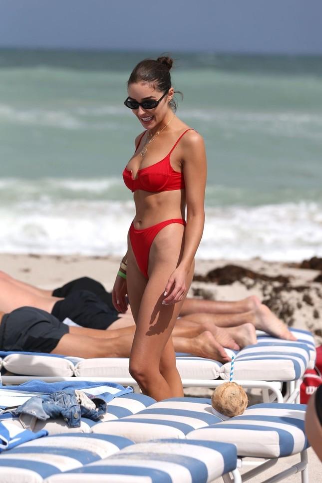 Hoa hậu Olivia Culpo phô đường cong đẹp như tạc tượng với bikini ảnh 12