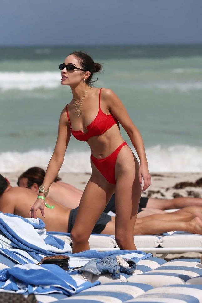 Hoa hậu Olivia Culpo phô đường cong đẹp như tạc tượng với bikini ảnh 13