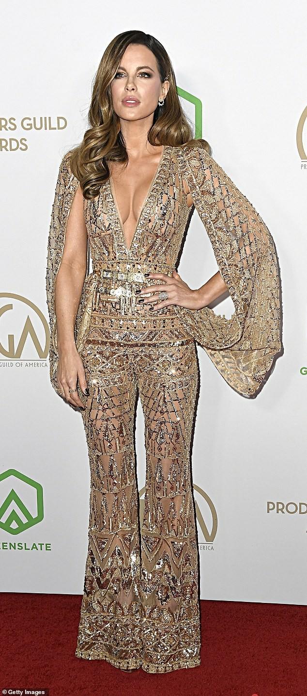Mỹ nhân U50 Kate Beckinsale khoe ngực đầy với váy xuyên thấu, không nội y ảnh 2