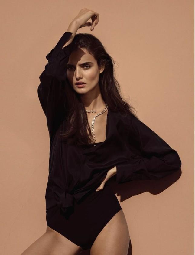 Mê mẩn ngắm vóc dáng đẹp như tạc tượng của nàng mẫu Blanca Padilla ảnh 1