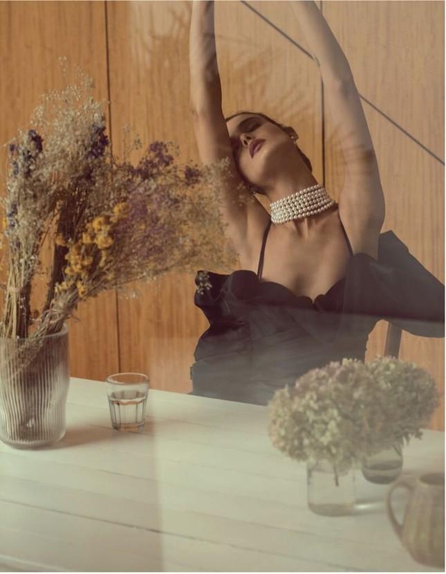 Mê mẩn ngắm vóc dáng đẹp như tạc tượng của nàng mẫu Blanca Padilla ảnh 8