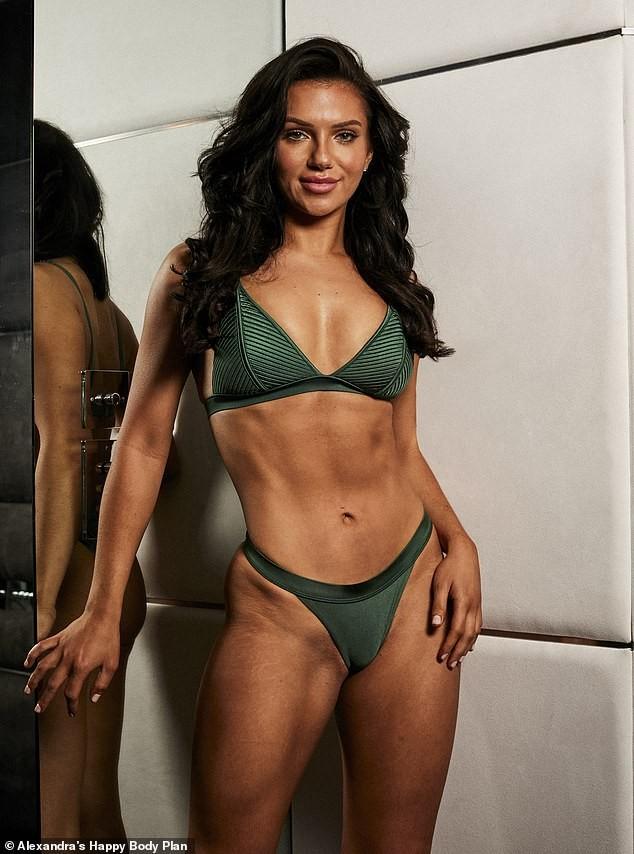 Alexandra Cane thả dáng cực 'bốc lửa' với bikini ảnh 4