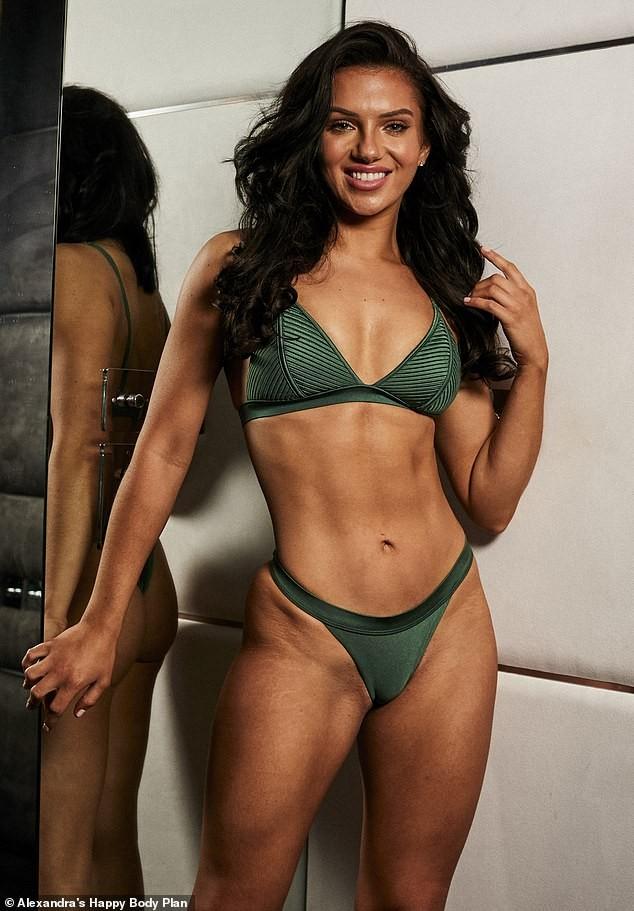 Alexandra Cane thả dáng cực 'bốc lửa' với bikini ảnh 5