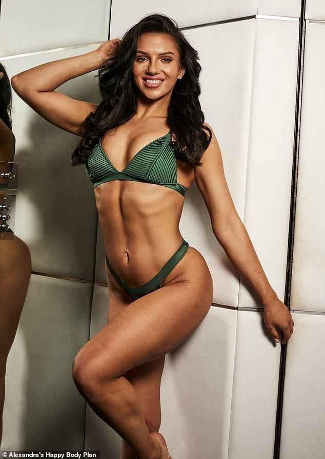 Alexandra Cane thả dáng cực 'bốc lửa' với bikini ảnh 6