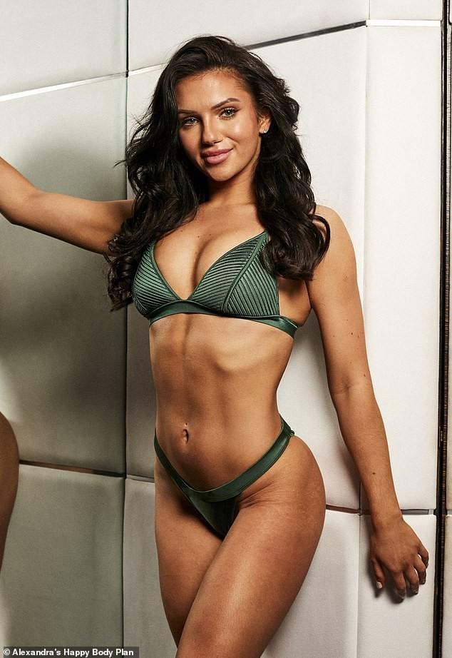 Alexandra Cane thả dáng cực 'bốc lửa' với bikini ảnh 7