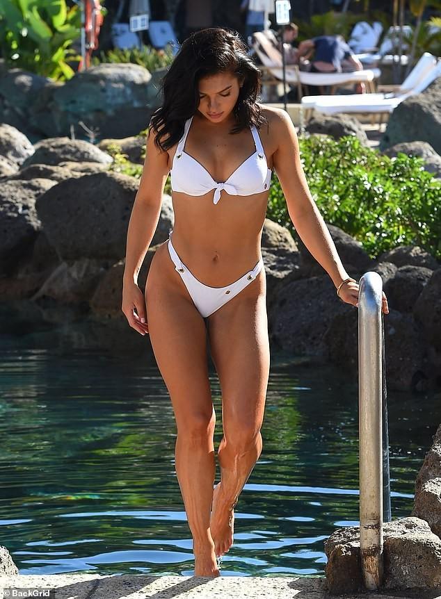 Alexandra Cane thả dáng cực 'bốc lửa' với bikini ảnh 1