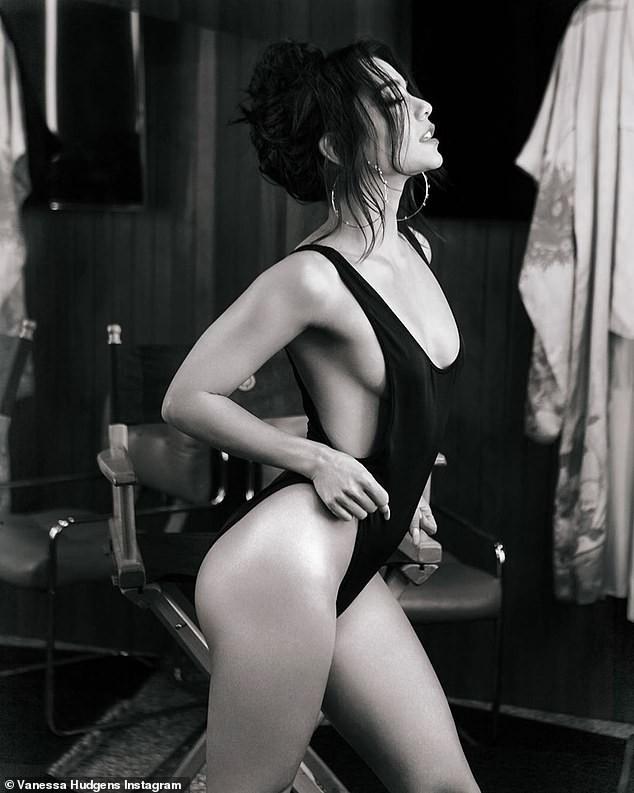 Vanessa Hudgens khoe hình xăm bên ngực sau chia tay Austin Butler ảnh 4