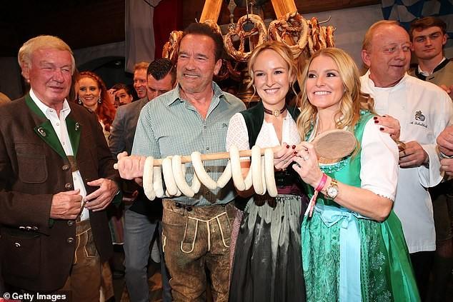 'Kẻ huỷ diệt' Arnold Schwarzenegger vui vẻ bên bạn gái kém 27 tuổi ảnh 6