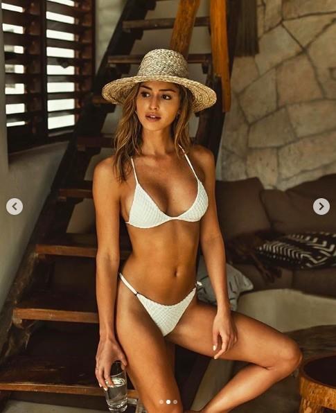 Gigi Paris dáng đẹp như tạc tượng với bikini bé xíu ảnh 10
