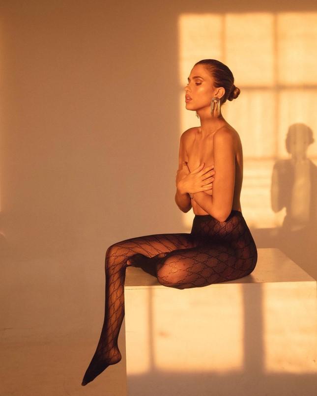 Người mẫu 9x chụp bán nude quyến rũ, đẹp như tạc tượng ảnh 2