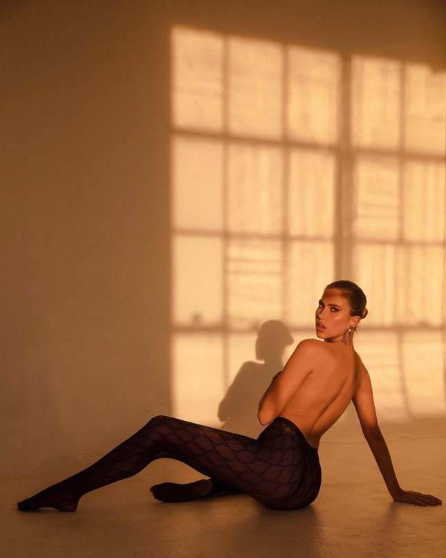 Người mẫu 9x chụp bán nude quyến rũ, đẹp như tạc tượng ảnh 3