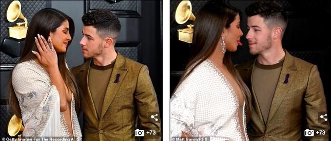 Dàn mỹ nhân diện mốt không nội y, khoe ngực đầy nóng bỏng tại Grammy 2020 ảnh 6